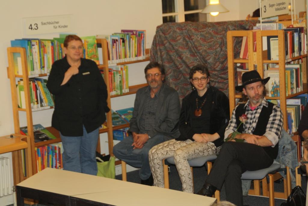 Frau Weber begrüßt: Thomas Erle, Anne Grießer und Ralf Kurz (von links)