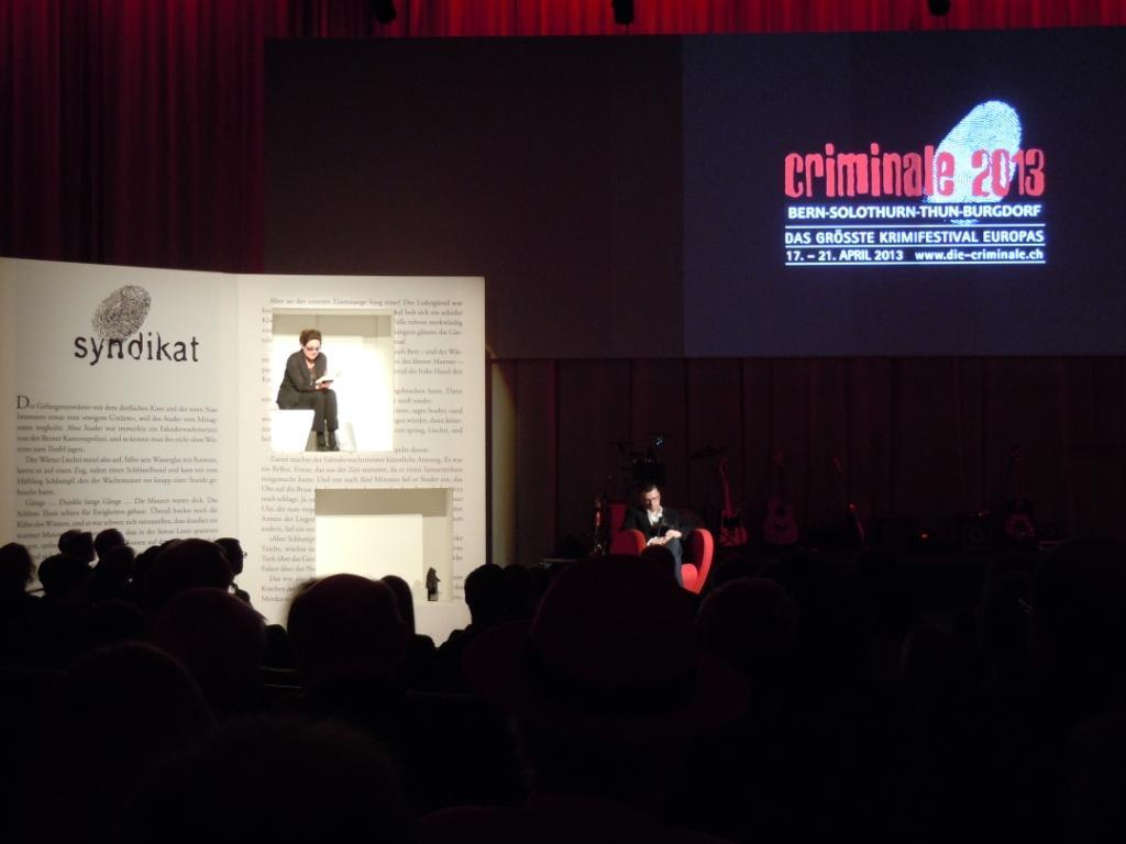Charlotte Schwab liest die Siegertexte